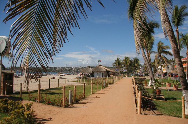 puerto-escondido-boardwalk-zicatela